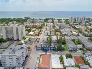 1 350 000$ - Miami-Dade County,Miami Beach; 2706 sq. ft.