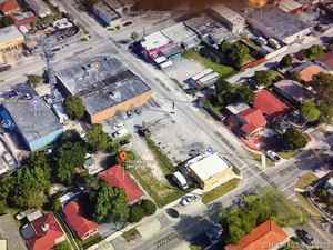 597 000$ - Miami-Dade County,Miami; 6500 sq. ft.
