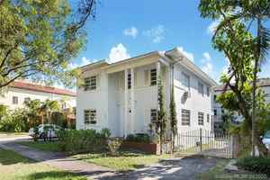 899 000$ - Miami-Dade County,Coral Gables; 3016 sq. ft.