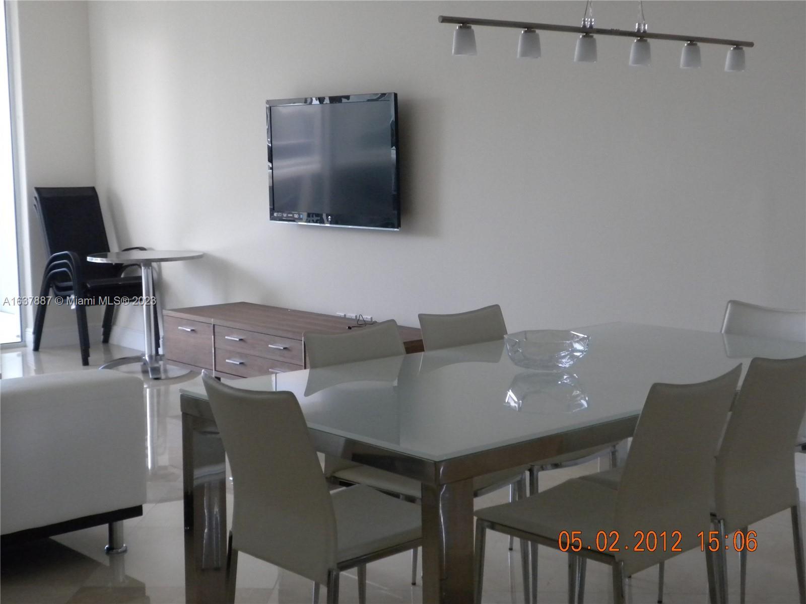 4311 2 / 2 1554 sq. ft. $ 2021-05-06 0 foto