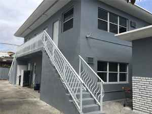 1 100 000$ - Miami-Dade County,Miami; 7500 sq. ft.