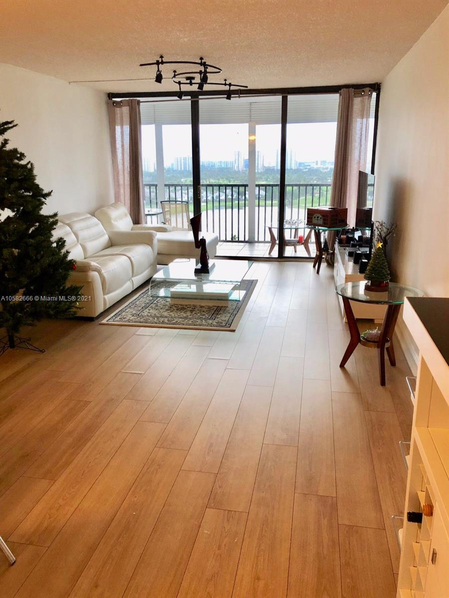 Photo of 3731 Country Club Dr #1824, Aventura, Florida, 33180 - 18 th FLOOR HALLWAY