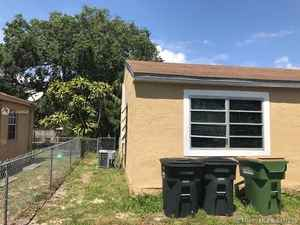 299 000$ - Miami-Dade County,North Miami; 2116 sq. ft.