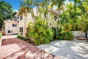 1 490 000$ - Miami-Dade County,Miami Beach; 5000 sq. ft.