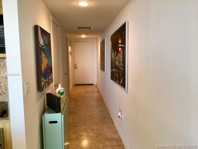 5005 1 / 1 811 sq. ft. $ 2019-04-17 0 foto
