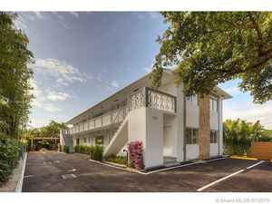 1 500 000$ - Miami-Dade County,Miami; 5240 sq. ft.