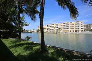 1 650 000$ - Miami-Dade County,Miami Beach; 2700 sq. ft.