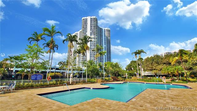 Photo of 3500 Mystic Pointe Dr #1205, Aventura, Florida, 33180 - Mystic Pointe 400 Pool