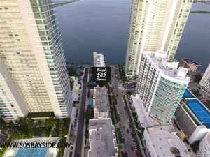11 500 000$ - Miami-Dade County,Miami; 80000 sq. ft.