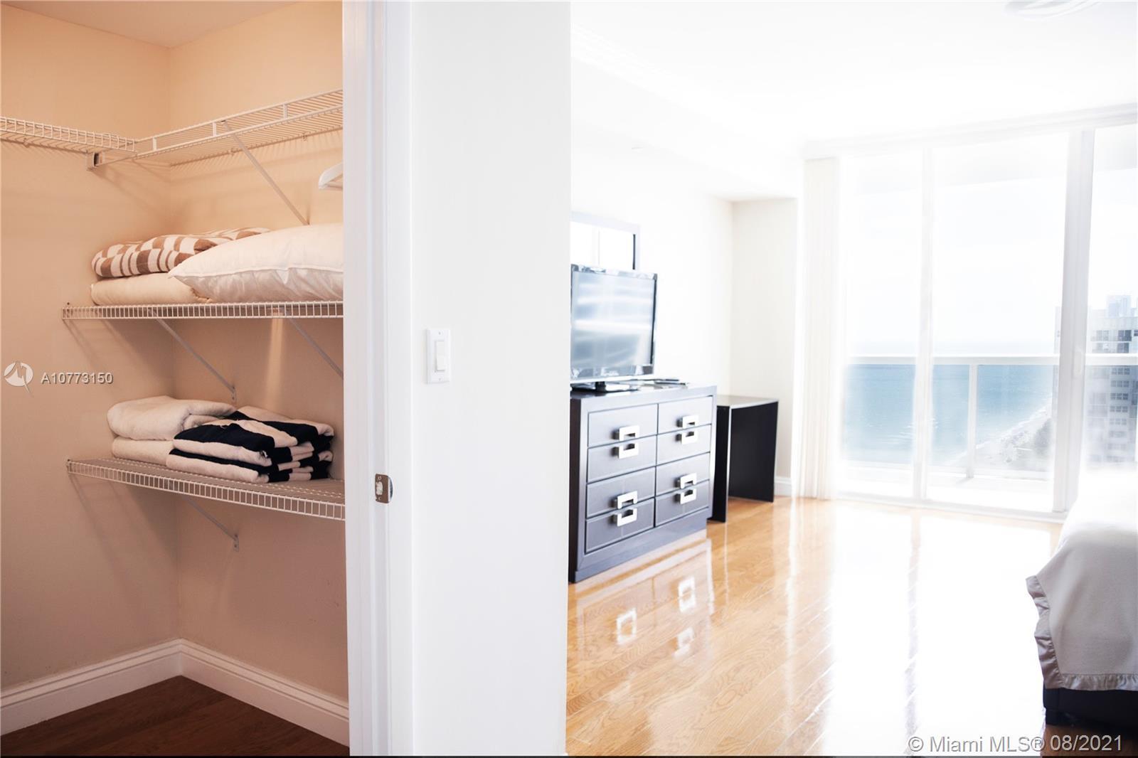 2202 2 / 3 2065 sq. ft. $ 2019-11-14 0 Photo