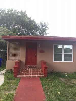 265 000$ - Miami-Dade County,Miami; 1487 sq. ft.