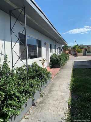800 000$ - Miami-Dade County,Miami Beach; 3150 sq. ft.