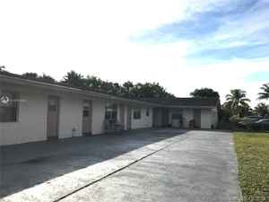 1 599 000$ - Broward County,Lauderhill; 8685 sq. ft.