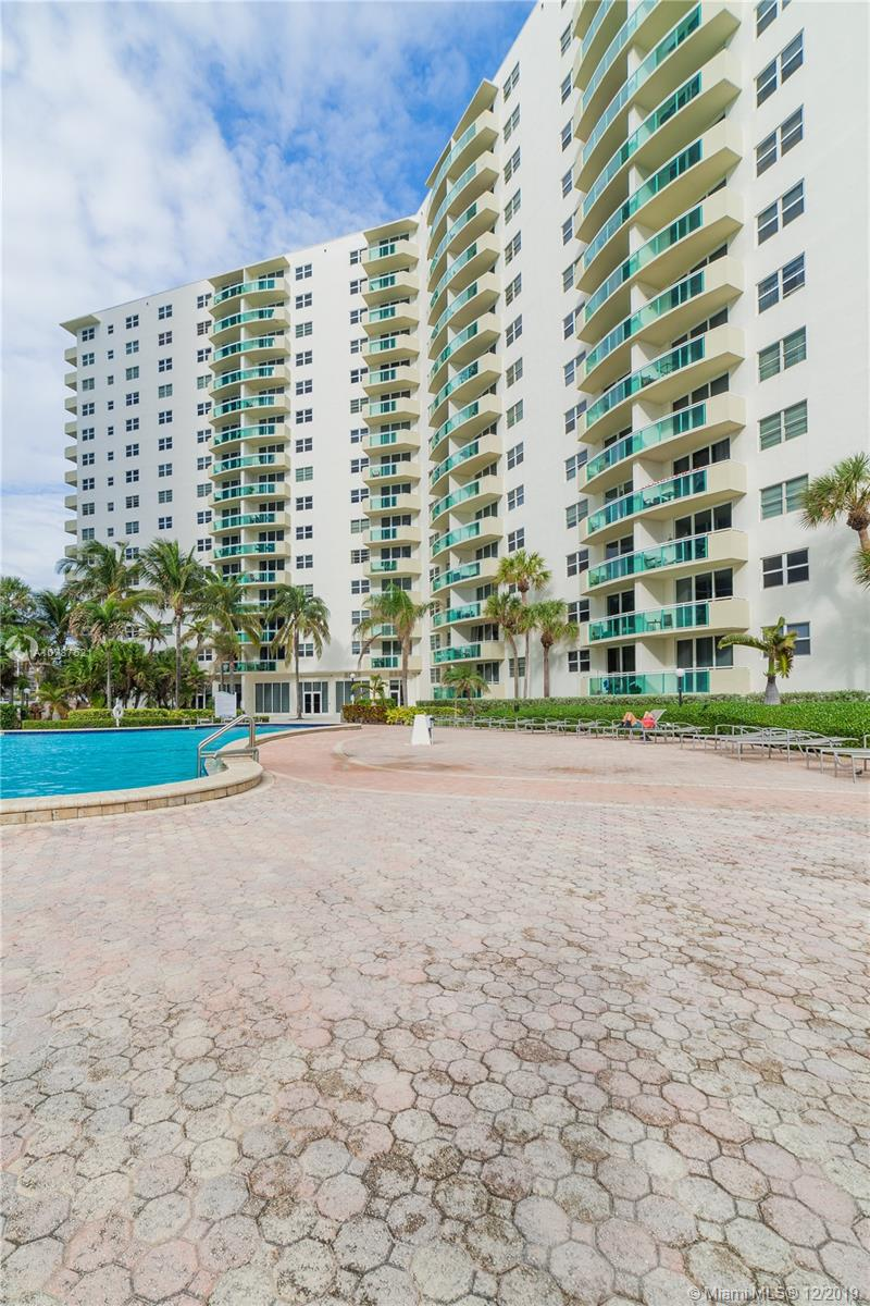 Photo of 3001 Ocean Dr #611, Hollywood, Florida, 33019 -