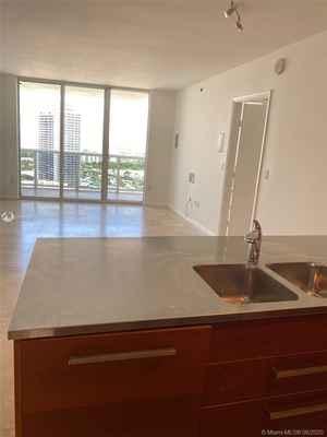 425 000$ - 2409; beds: 2 / baths:1; 1086 sq. ft.