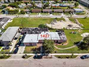 1 350 000$ - Miami-Dade County,Florida City; 30000 sq. ft.