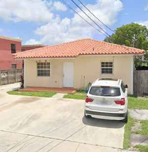 549 000$ - Miami-Dade County,Hialeah; 2319 sq. ft.