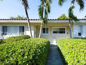 878 900$ - Miami-Dade County,Coral Gables; 2765 sq. ft.