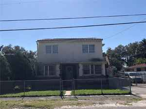 425 000$ - Miami-Dade County,Miami; 2333 sq. ft.
