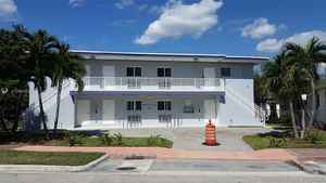 1 750 000$ - Miami-Dade County,Miami Beach; 6800 sq. ft.