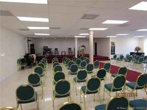 1 100 000$ - Miami-Dade County,Miami; 8500 sq. ft.