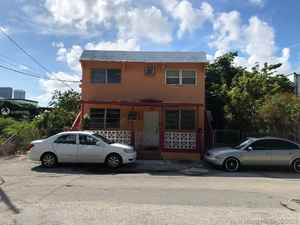 1 250 000$ - Miami-Dade County,Miami; 2056 sq. ft.