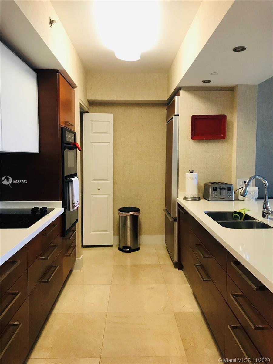 2904 3 / 3  sq. ft. $ 2020-05-07 0 foto