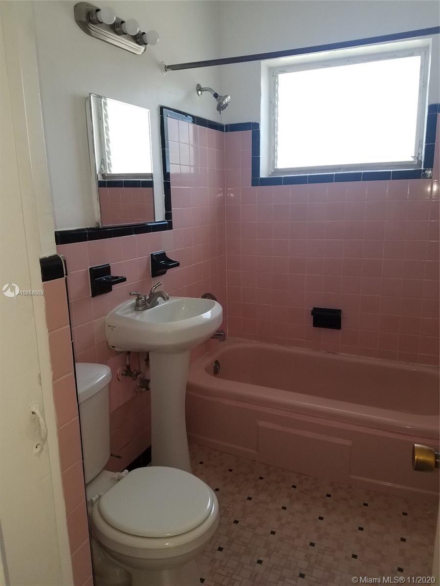 /  4242 sq. ft. $ 2020-05-12 0 Photo
