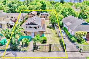 320 000$ - Miami-Dade County,Miami; 2098 sq. ft.
