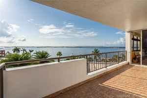 1 299 900$ - Miami-Dade County,Miami; 3060 sq. ft.