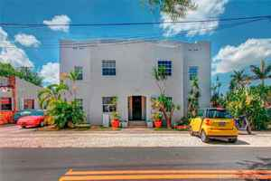 720 000$ - Broward County,Dania Beach; 2899 sq. ft.