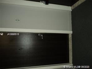 Photo of 20301 Country Club Dr #623, Aventura, Florida, 33180 - Hallway