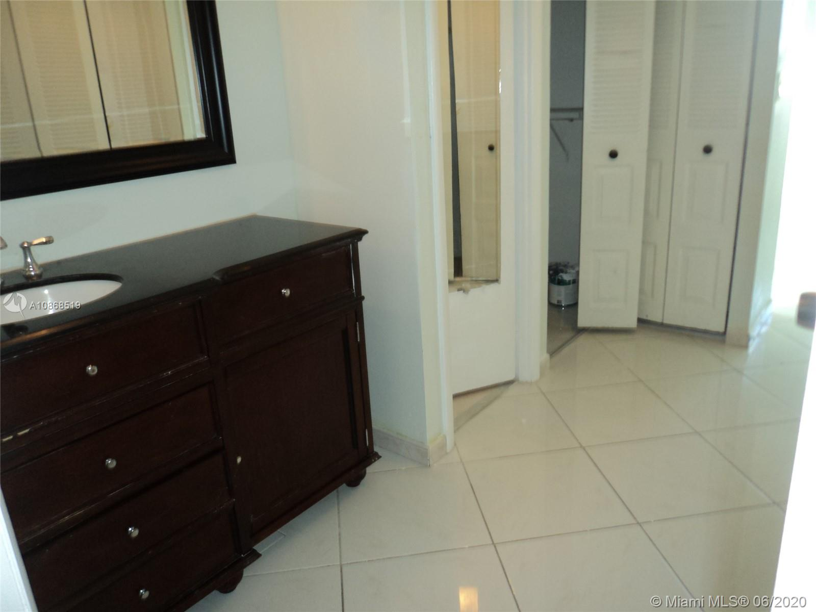 Photo of 20301 Country Club Dr #623, Aventura, Florida, 33180 - Master Bath