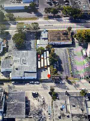 1 700 000$ - Miami-Dade County,Miami; 0 sq. ft.