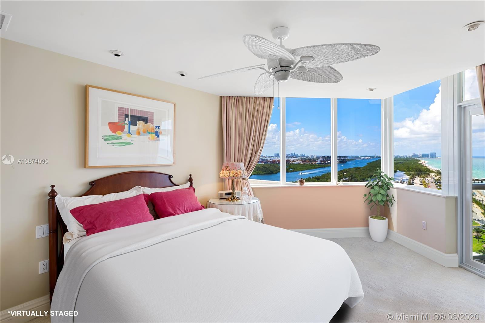 Photo of 6051 Ocean Dr #PH5, Hollywood, Florida, 33019 - Guest bedroom 3
