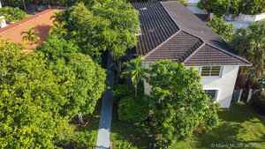 999 000$ - Miami-Dade County,Miami Shores; 4789 sq. ft.