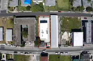 1 500 000$ - Miami-Dade County,Miami; 7500 sq. ft.