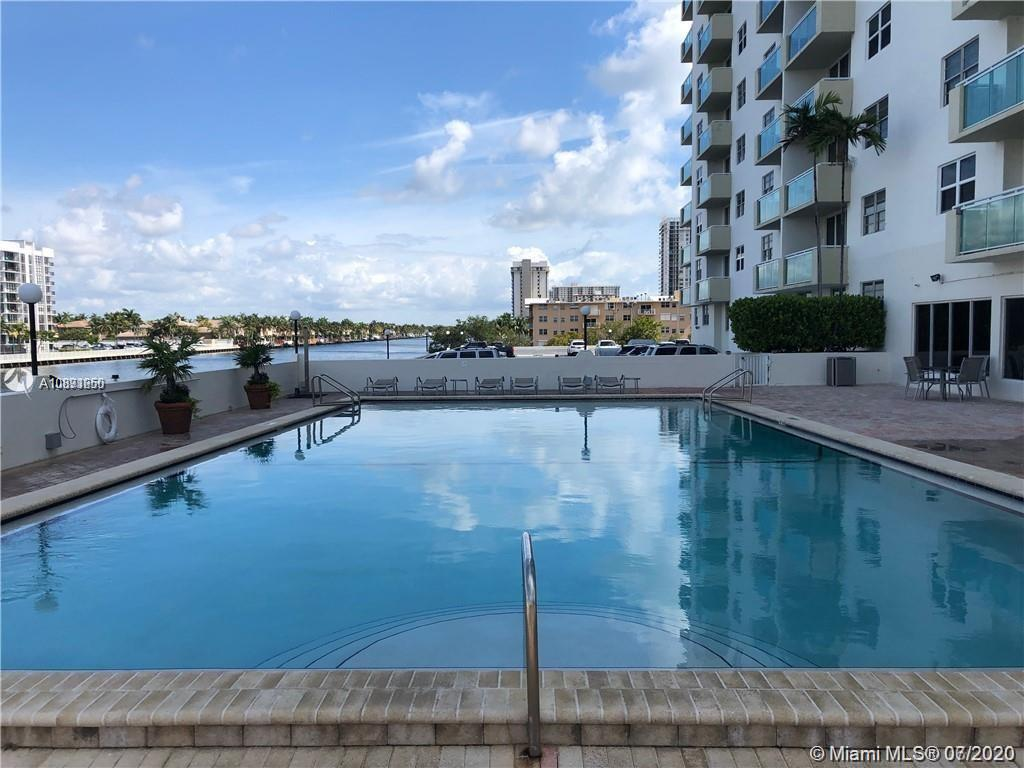 Photo of 3000 Ocean Dr #1218, Hollywood, Florida, 33019 - View of the building from Intracoastal
