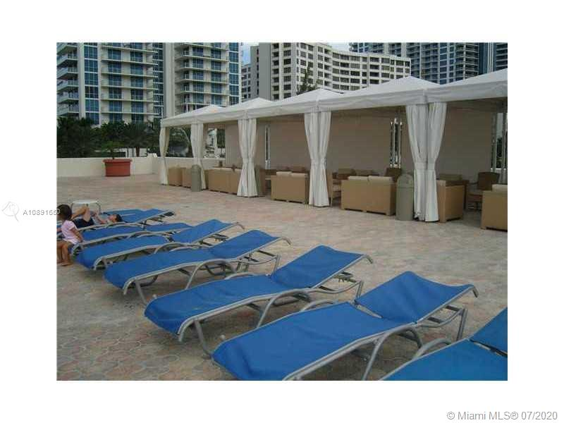 Photo of 3000 Ocean Dr #1218, Hollywood, Florida, 33019 - Swimming pool