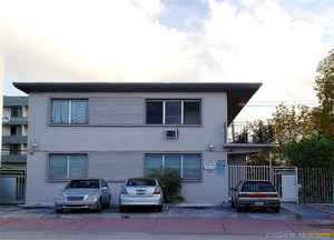 1 750 000$ - Miami-Dade County,Miami Beach; 6300 sq. ft.