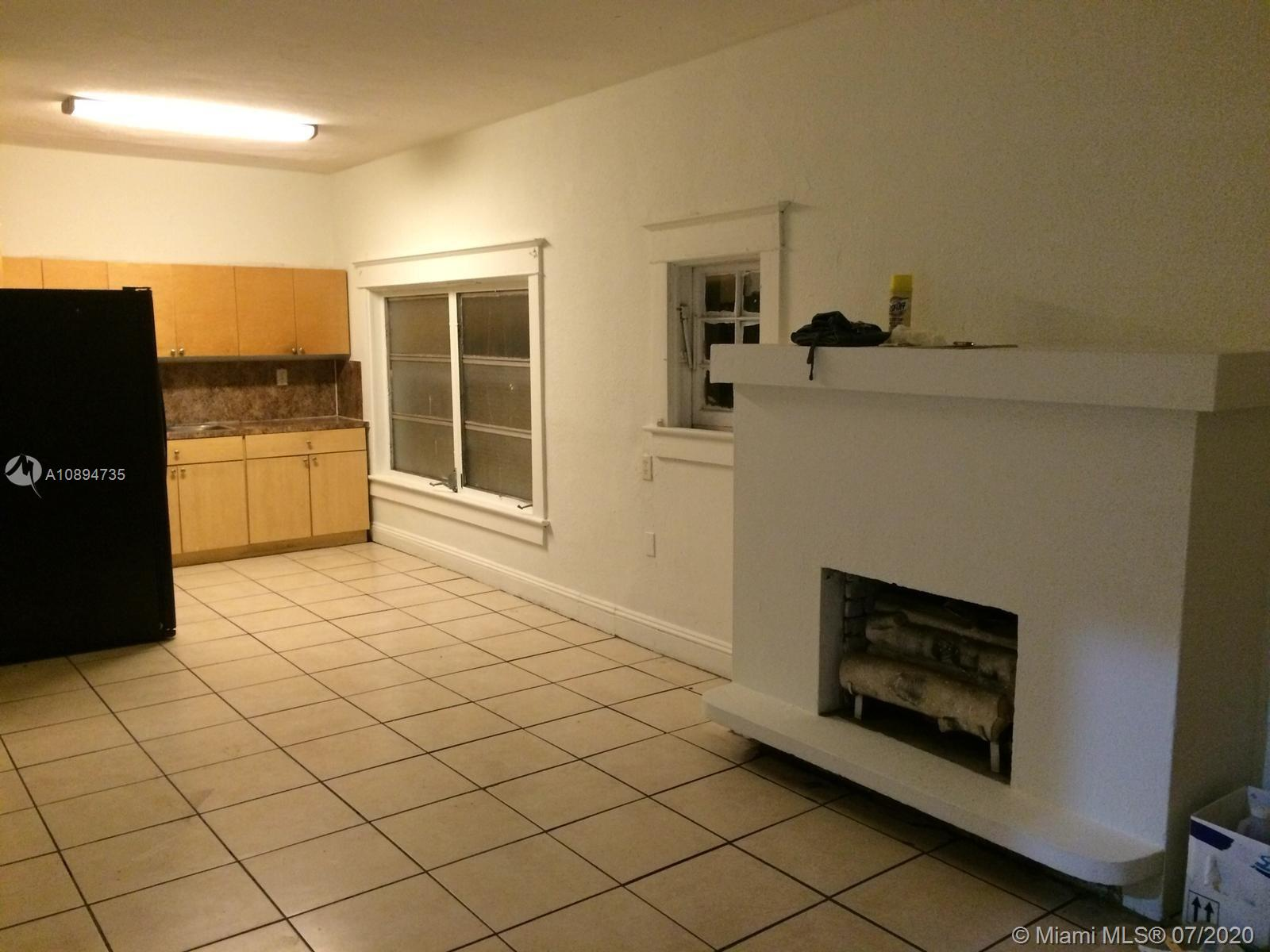 /  1733 sq. ft. $ 2021-02-25 0 Photo