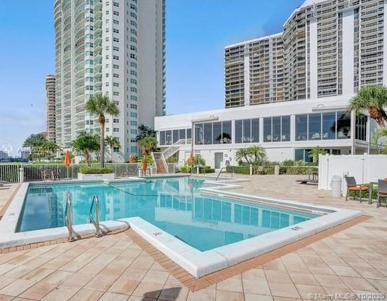 Photo of 20281 Country Club Dr #2402, Aventura, Florida, 33180 - Building Exterior