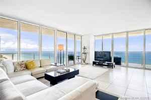 10 000$ - 1501; beds: 3 / baths:3; 2065 sq. ft.