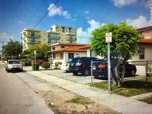 4 100 000$ - Miami-Dade County,Miami; 3886 sq. ft.