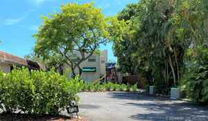 475 000$ - Broward County,Hollywood; 1849 sq. ft.