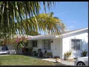 660 000$ - Broward County,Dania Beach; 2681 sq. ft.