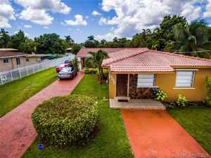 849 900$ - Miami-Dade County,Miami; 4019 sq. ft.