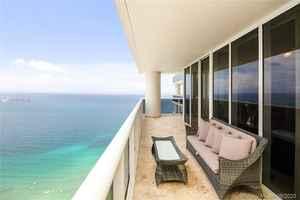 775 000$ - 4110; beds: 2 / baths:2; 1782 sq. ft.