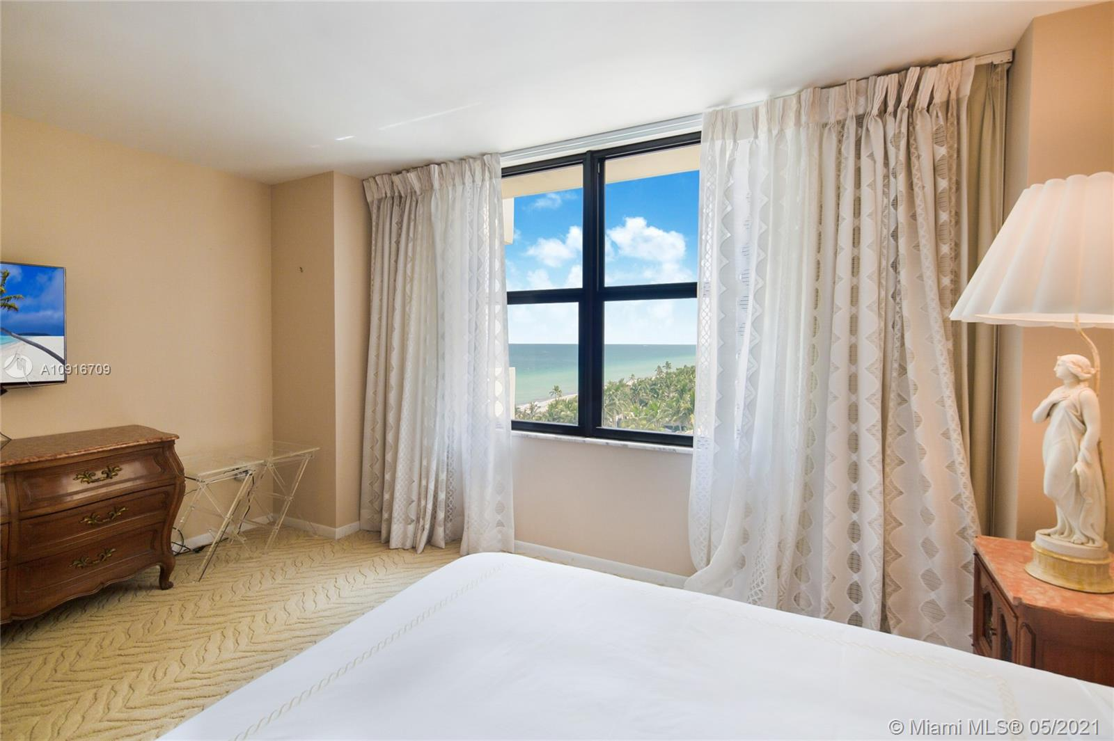 Photo of 9801 Collins Ave #11B Direct Ocean, Bal Harbour, Florida, 33154 - Guest bath