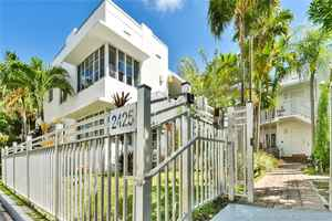 2 800 000$ - Miami-Dade County,Miami Beach; 8301 sq. ft.